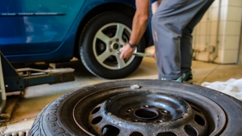 Ce avantaje ai dacă folosești anumite piese auto din dezmembrări, pentru mașina ta?