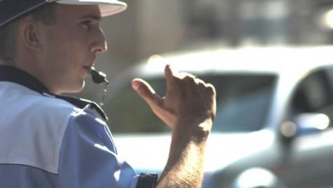 Poliţistul local va da amenzi rutiere