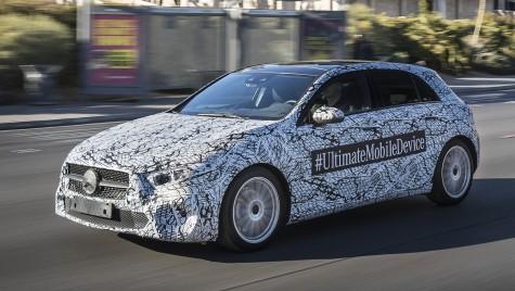 Noul Mercedes-Benz A-Class aleargă camuflat prin Las Vegas