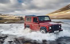 Tunat din start – Land Rover Defender în ediție limitată, cu 400 CP!