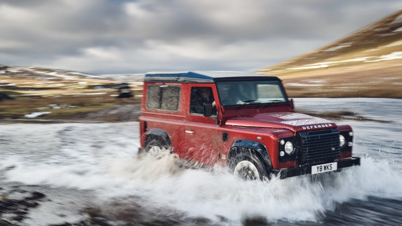 Land Rover Defender Works V8 (1)