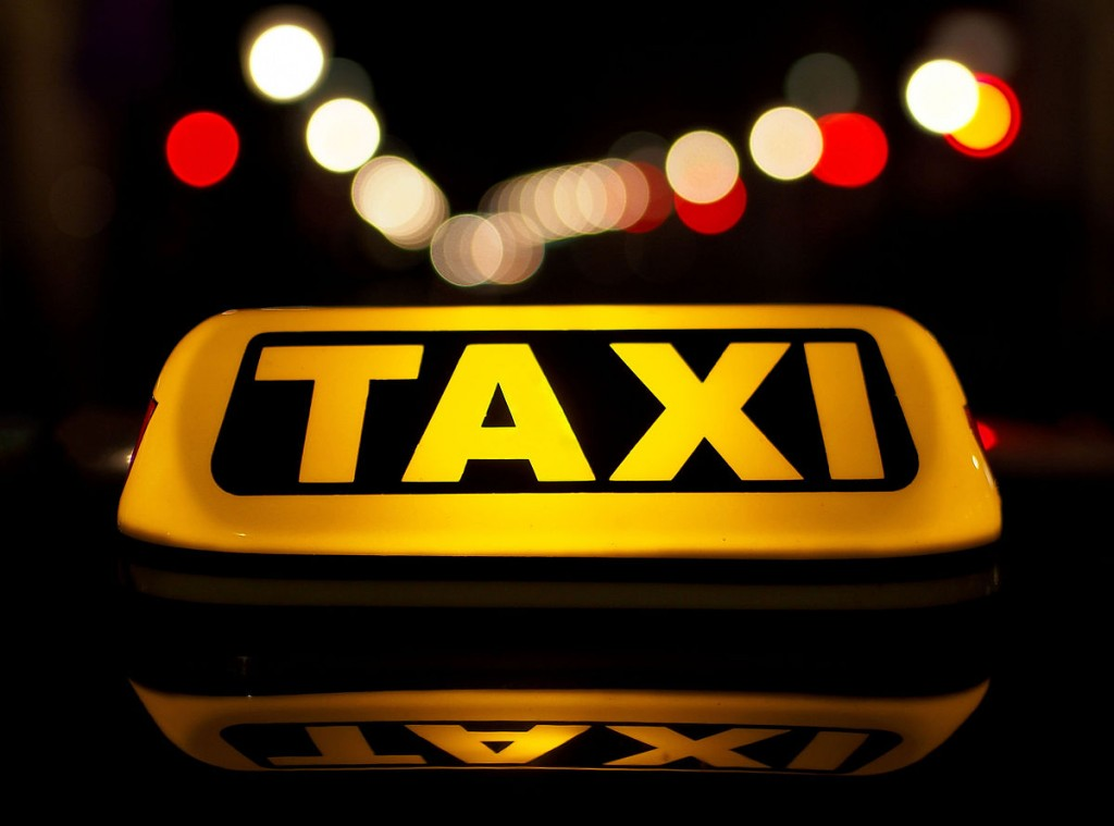Protest al taximetriștilor în Capitală. Traficul este retricționat