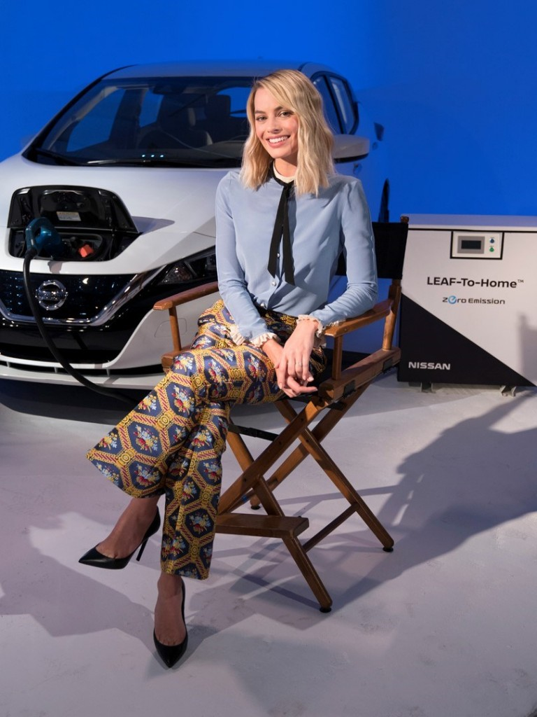 Margot Robbie Nissan LEAF (2)