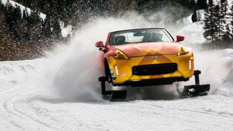 Pentru când vine iarna – Nissan a pus șenile unui 370Z Roadster
