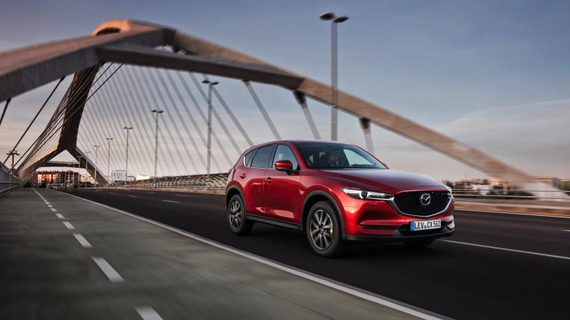 Sondaj Mazda hibride electrice convenționale (1)