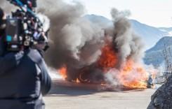 Echipa Top Gear scapă în ultimul moment dintr-un Alpine A110 care ia foc!
