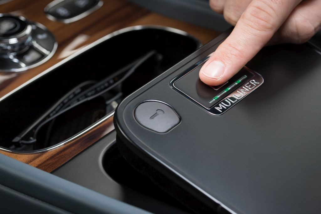 Bentley - Bentayga Mulliner Biometric