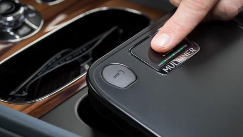 Bentley lansează cutii de valori cu securitate biometrică pe Bentayga