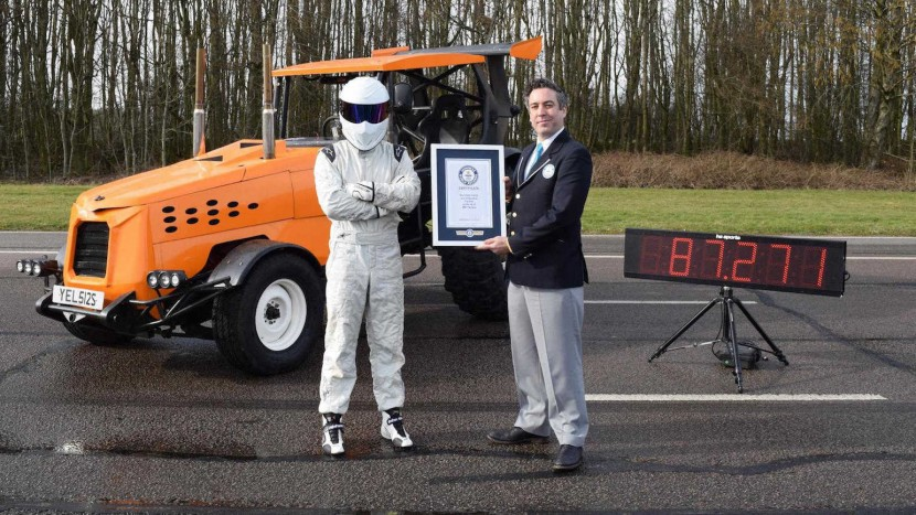 Top-Gear-Stig-Track-Tor-World-Record-1