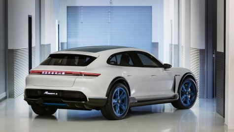 Geneva 2018: Porsche Mission E Cross Turismo