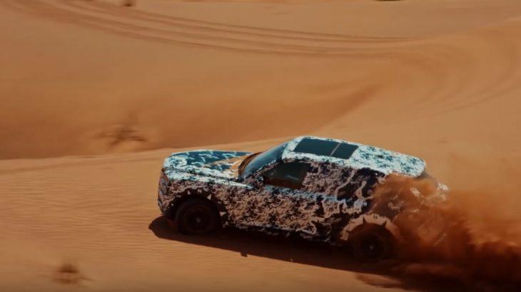 Rolls-Royce Cullinan își face de cap în deșert înainte de a fi prezentat oficial