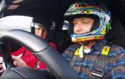 Valentino Rossi dă ture cu un Ferrari 488 Pista la Fiorano
