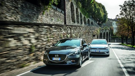 Test comparativ Mazda3 1.5 Skyactiv-D Revolution vs VW Golf 1.6 TDI Highline