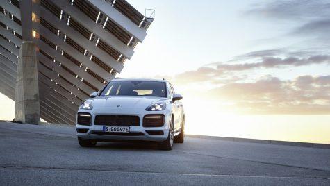 Porsche ar putea oferi SUV-ul Cayenne cu un sistem de propulsie surprinzător