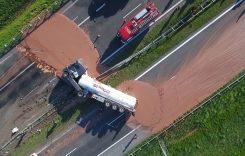 Accident… delicios. O cisternă cu 12 tone de ciocolată s-a răsturnat pe autostradă