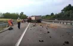 Șoferul accidentului în care au murit 9 persoane transmitea live pe Facebook