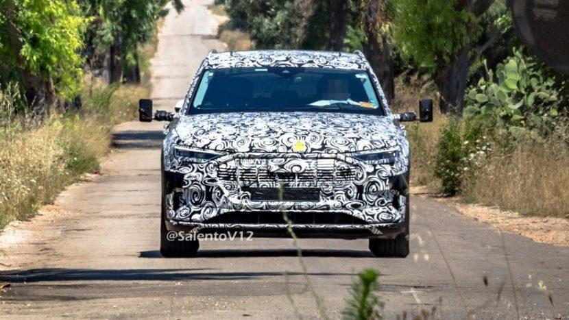 Audi e-tron quattro (1)