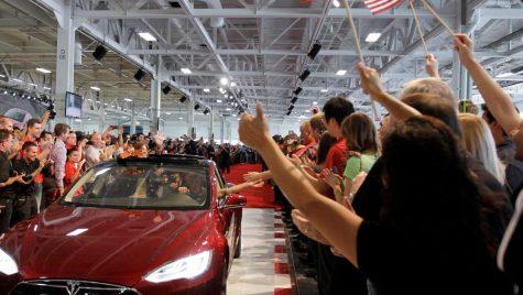 Tesla va concedia 9% din personal