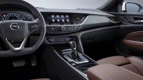 Opel Insignia primește un nou sistem multimedia