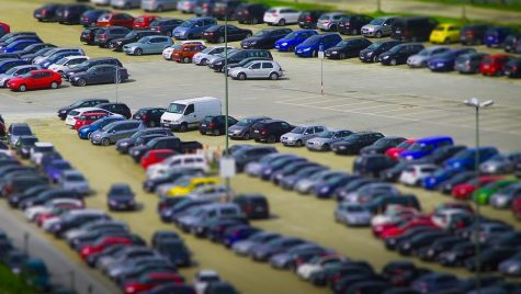 S-au scumpit parcările în centrul Capitalei. Lăsăm mașina acasă?
