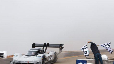 Modelul electric Volkswagen ID R doboară recordul la Pikes Peak