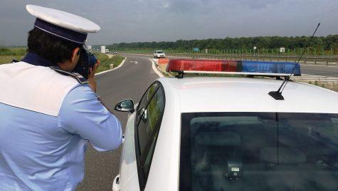 Poliția ne învață cum să scăpăm de amenzile de viteză
