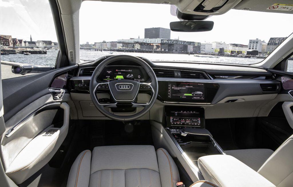 Audi e-tron interior (12)