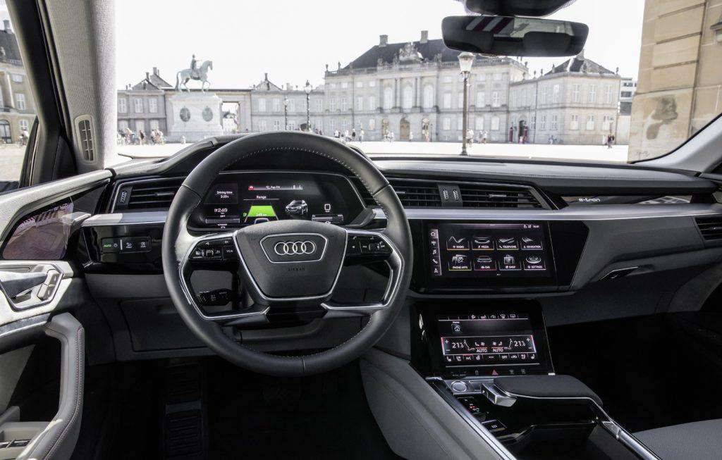 Audi e-tron interior (13)