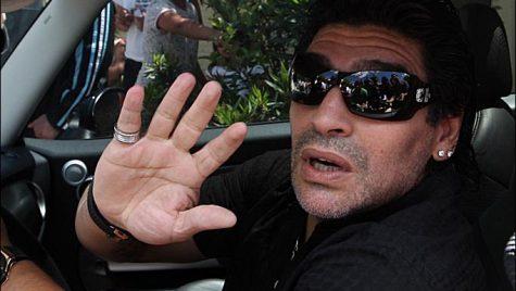 Maradona, băut la volan. Autoritățile se fac că nu văd