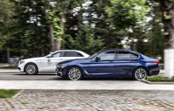 Daimler și BMW, dați în judecată pentru că nu vor renunța la motoarele termice până în 2030