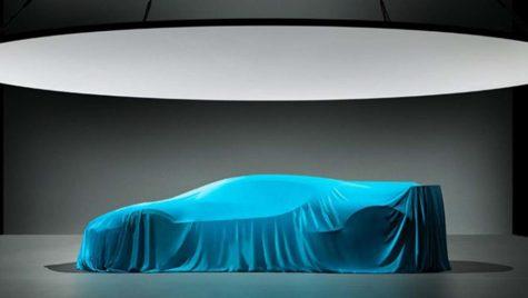 Se apropie! Bugatti Divo se ascunde sub prelată înainte de prezentarea oficială