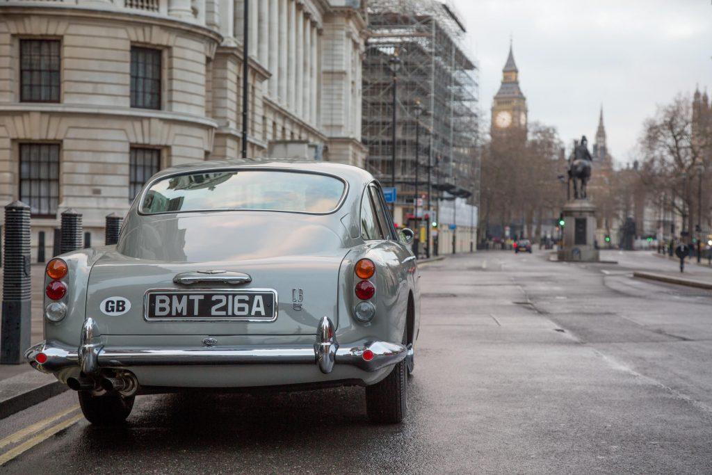 James Bond Aston Martin DB5 (3)