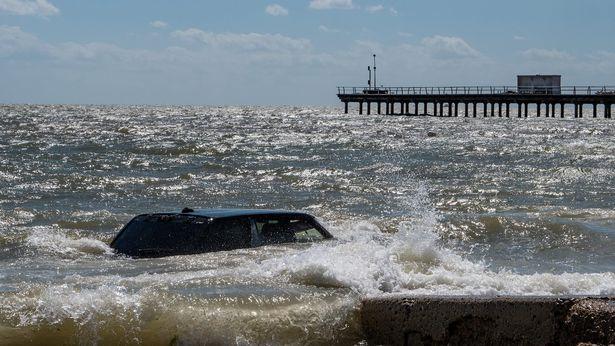 Range Rover Loch Ness