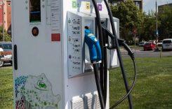 Enel va construi o rețea de stații de încărcare pentru mașinile electrice în România