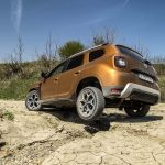 Dacia Duster va avea o versiune 4x4 cu transmisie automată