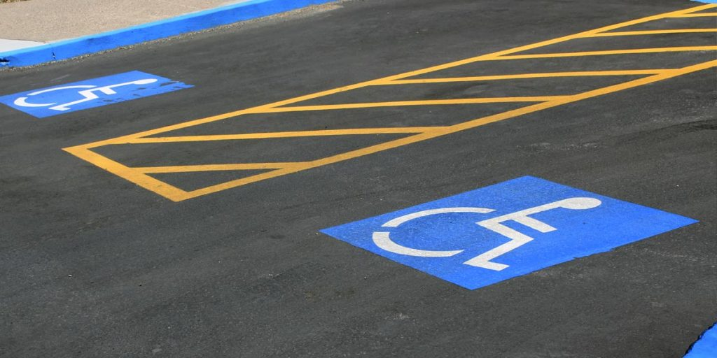 amenzi locuri de parcare persoane cu dizabilități