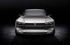 Conceptul Peugeot e-Legend – Mașina retro cu 16 ecrane la bord