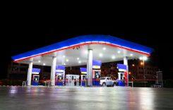 Se ieftinesc carburanții, dar vom avea taxe pentru autostrăzi?