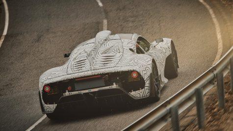 Mercedes-AMG Project ONE, cel mai tare Mercedes din istorie, a ieșit pe circuit