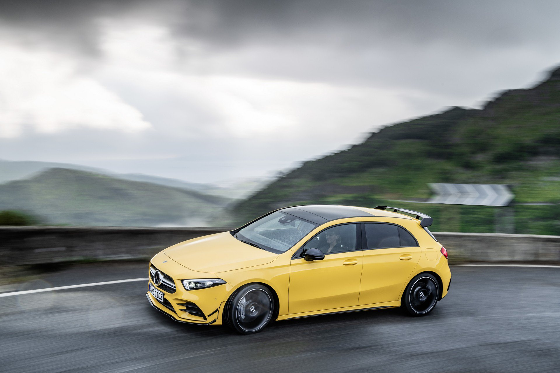 Noul Mercedes-AMG A 35 4MATIC (10)