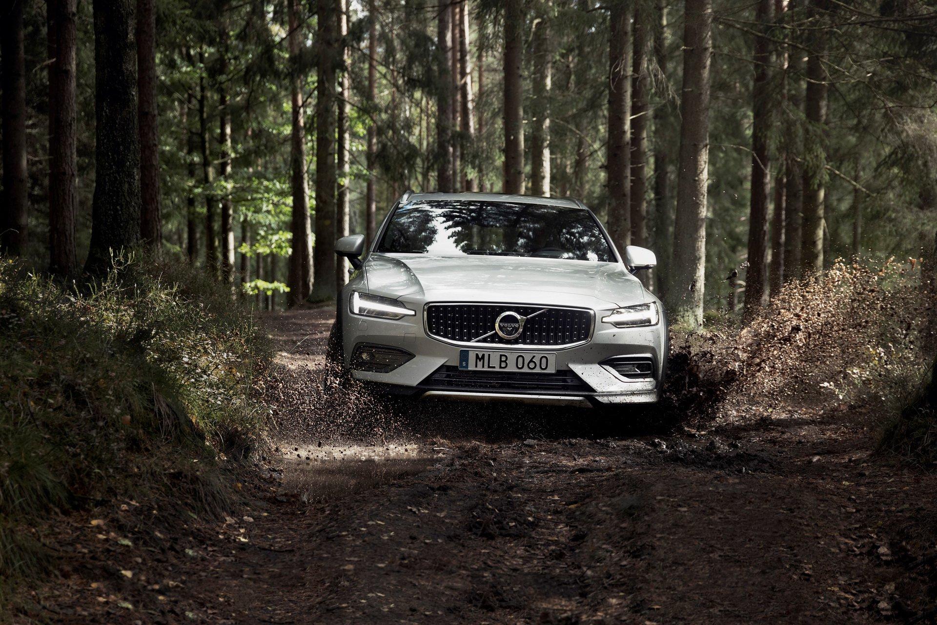 Noul Volvo V60 Cross Country – Imagini și informații oficiale