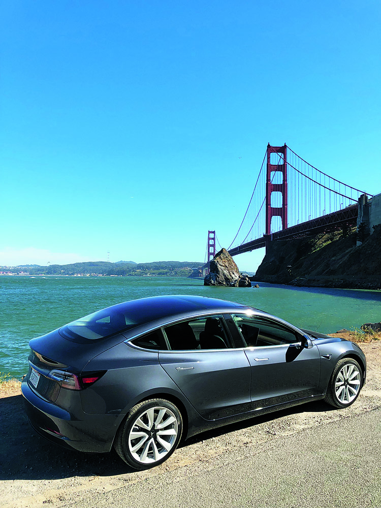 test drive tesla model 3 rwd 70 kwh autoexpert. Black Bedroom Furniture Sets. Home Design Ideas