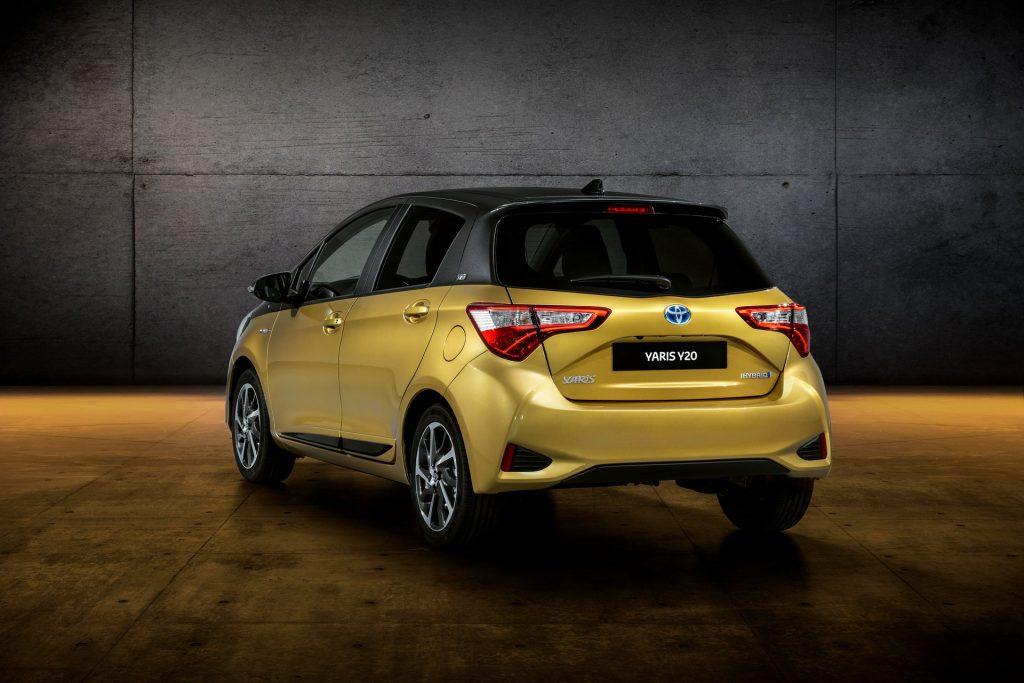 Toyota Yaris Y20 (1)
