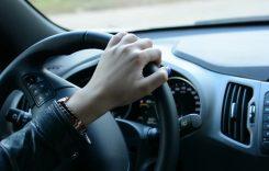 Înjurăm în trafic la fiecare 4 kilometri. Top 10 motive pentru care ne enervăm în trafic