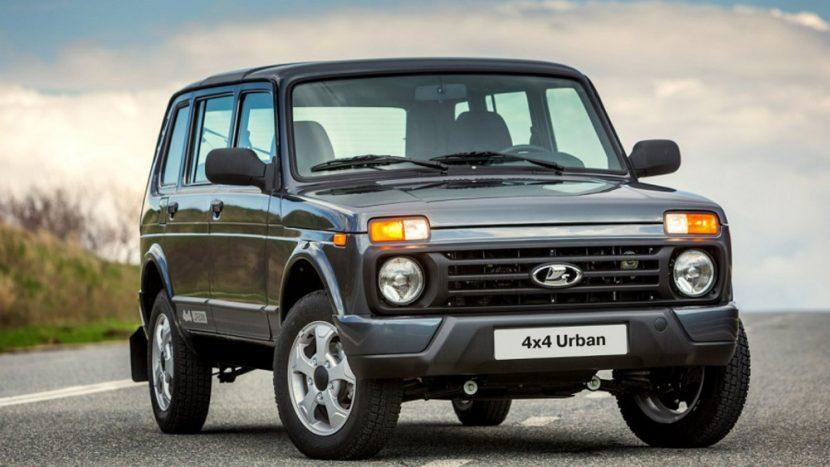 """""""Tovarășii"""" se întorc: Lada Niva are motoare Euro6 și e mai ieftină decât Dacia Duster"""