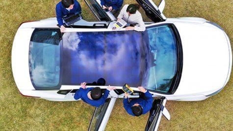 Doi producători auto vor oferi mașini cu acoperișuri fotovoltaice