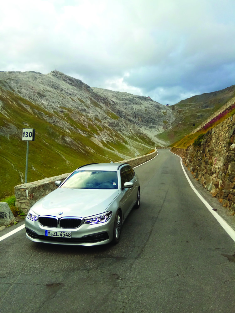 O călătorie de poveste: cu BMW 525d Touring pe traseul München-Nisa prin pasul Stelvio și lacul Como