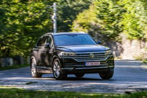 Test comparativ - Mercedes GLE 350 d vs VW Touareg V6 TDI