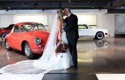 Mașină de piatră! S-au căsătorit la bordul unui Porsche Cayenne