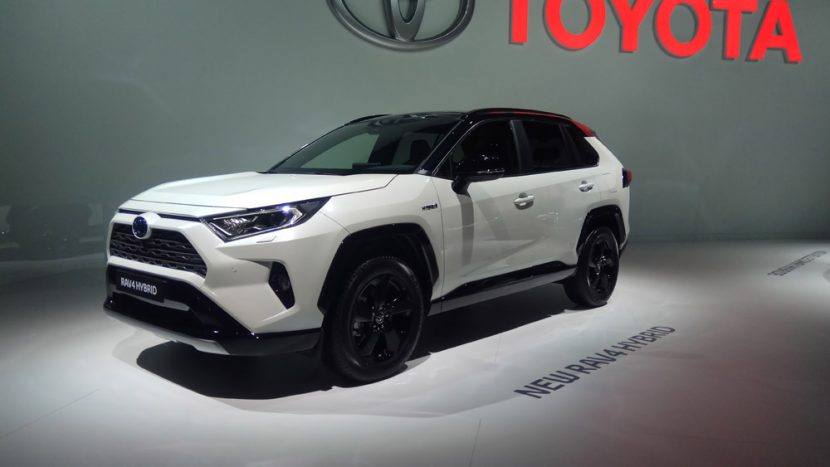 Salonul Auto de la Paris 2018 Toyota RAV4 Hybrid